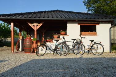Kerti csárda, kerékpárokkal